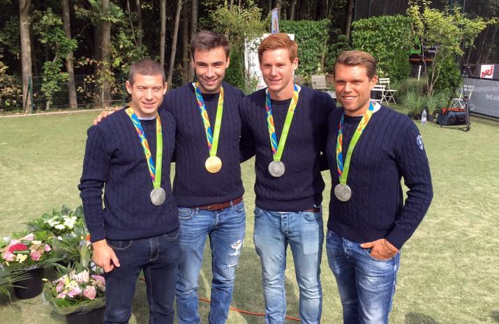 CEWE zet samen met de Waterloo Ducks onze Olympische helden in de bloemetjes